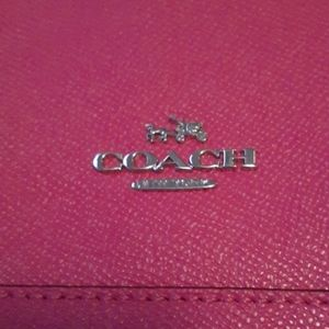 Nwot Coach purse. READ. NO LOWER PRICE..